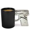 Zilveren koffiemok pistool