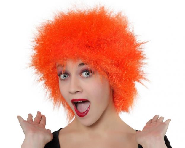 Oranje pruiken met kort haar