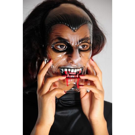 Vampieren maskers met bloederige tanden